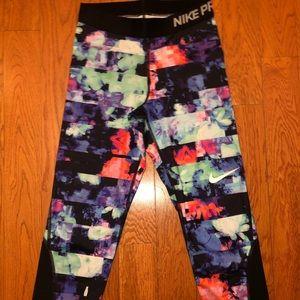 Nike Pro capris. Size Xsmall